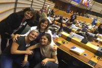 MEP Šuica and the NGO ˝Svijet tišine˝ at a historic event in the European Parliament